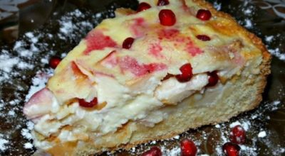 Невероятно вкусный и нежный яблочно-банановый пирог из песочного теста со сметанной заливкой