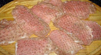 Небольшая уловка помогла приготовить лучшее на свете «Мясо по-французски»! Записывай…