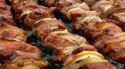 Фантастически мягкое мясо на шашлыки за полчаса (3 способа)
