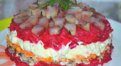 Салат с сельдью даже вкуснее, чем обычная и привычная нам «селедка в шубе»