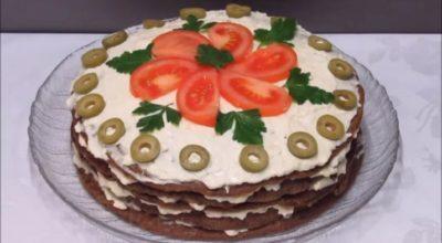 Печеночный торт с грибами: простые продукты – шикарное блюдо