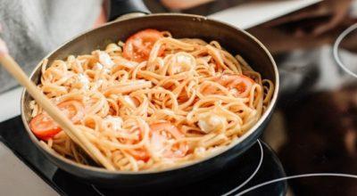 Как приготовить жареные макароны