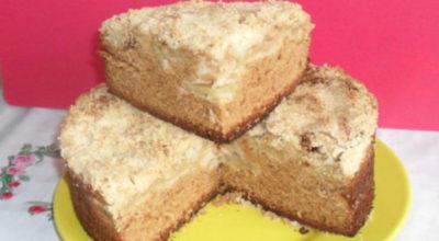 Яблочно-медовый пирог на быструю руку