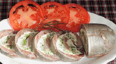 Вкусный рулетик из селедочки: быстро и легко приготовить
