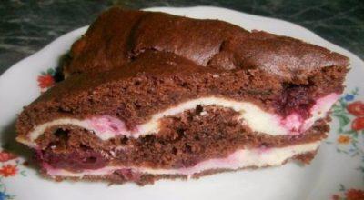 Нежный творожно — шоколадный торт с вишней