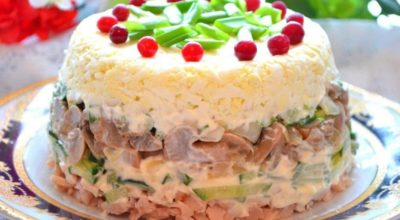 Необычный салат из самых обычных продуктов. Неимоверно простой и потрясающе, восхитительно вкусный